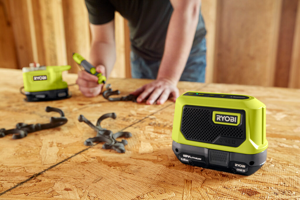 2021_PM_Ryobi_Bluetooth-Speaker_RBTM18 Lautsprecher